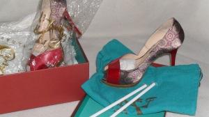 1c1bfaf6 Zapatos de Sara Navarro, perfectamente preparados para su conservación.