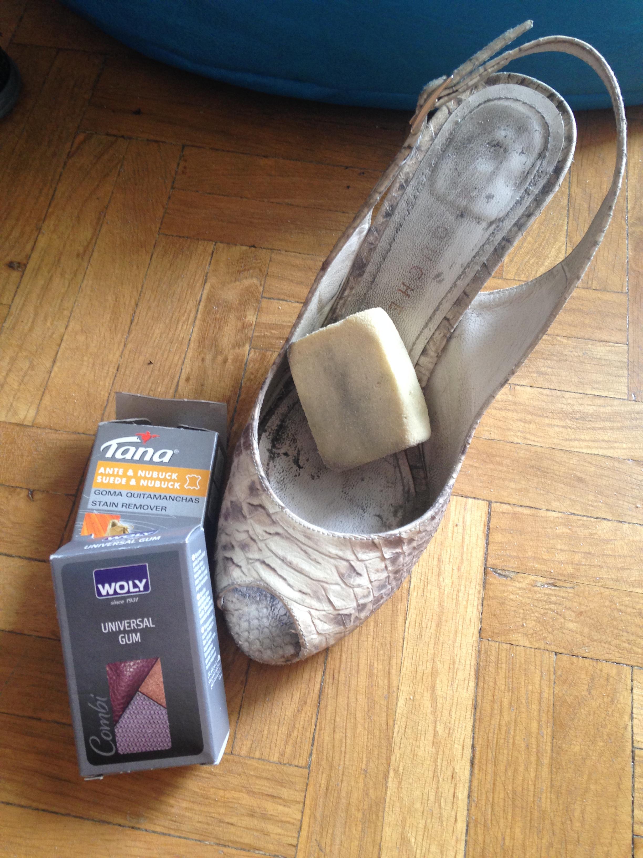"""dda10924 Es momento de que vayas sacando tu calzado de otoño, si no """"hiciste tus  deberes"""" al guardarlos, te tocará ahora revisar con tiempo sus tapas y su  limpieza."""