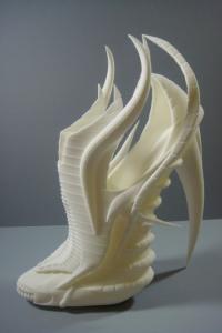 Exoskeleton-3D-printed-shoes-alien-look-1