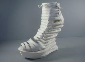 Exoskeleton-3D-printed-shoes-alien-look-5